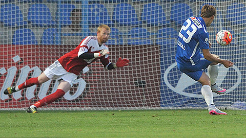 PHOTO: SYNOT liga: Zl�n win at Bohemains, Liberec beat Boleslav